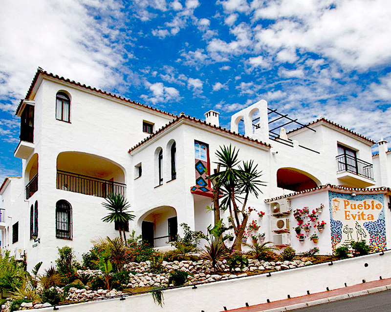 Donna and her family own two weeks of timeshare at the Elite Apartments at Pueblo Evita (3583) in Málaga, Spain.