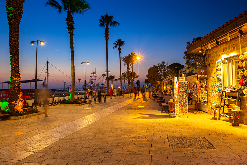 The harbour is very much a central focal point for Antalya and it's packed with bars, restaurants and cafes which are perched up on the cliffs and around the port.