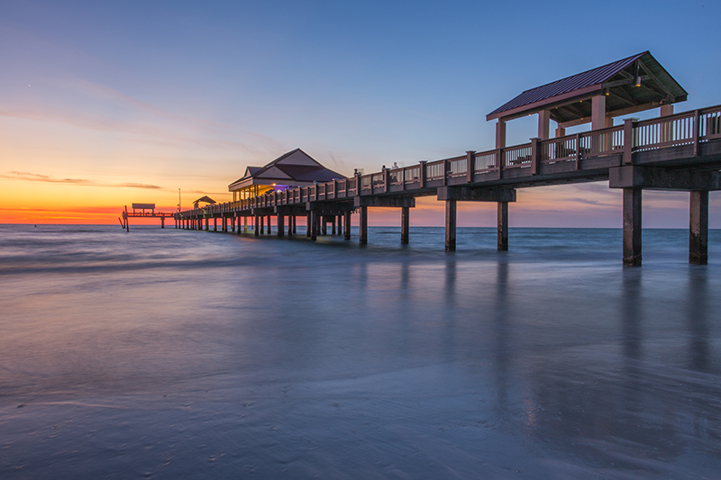 Whether you want an exhillarating experience at one of the many theme parks, or simply to just relax on the pier at Clearwater and watch the sunset, a holiday in Florida has it all.