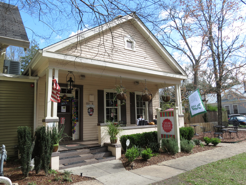 Cream & Sugar Café is well-known as it serves Mobile's best muffins, so don't waste the opportunity to have a sweet treat while in Mobile.