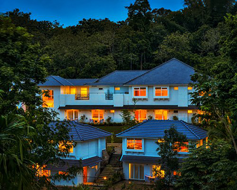 Sterling Wayanad (DC91) is located in Sultan Bathery in the mountainous region of Kerlala, in southern India. The resort is just eight kilometres from the Ancient Jain Temple.