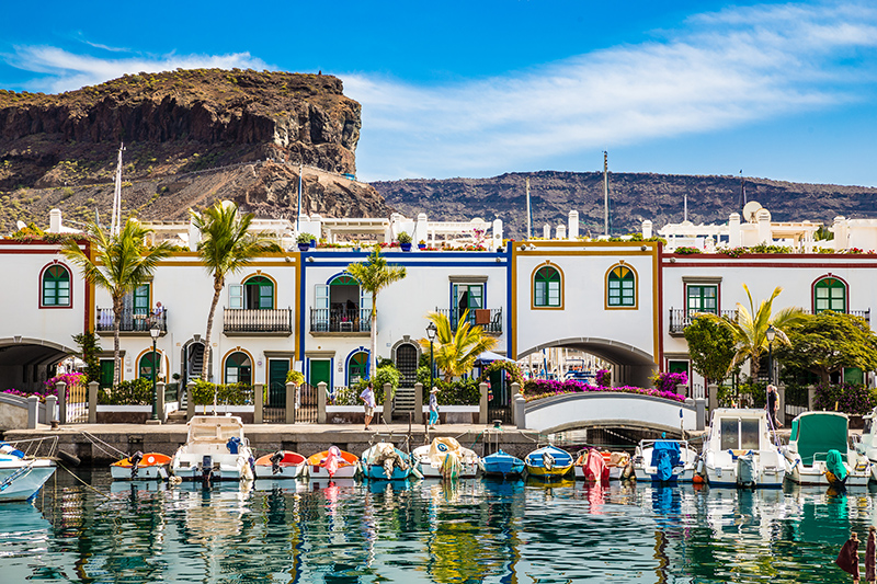 The second largest of the Canary Islands packs a real holiday punch. With stunning beaches, family-friendly entertainment and an exciting array of activities, such as hiking, cycling and stargazing to enjoy, there's plenty to keep any holidaymaker busy.