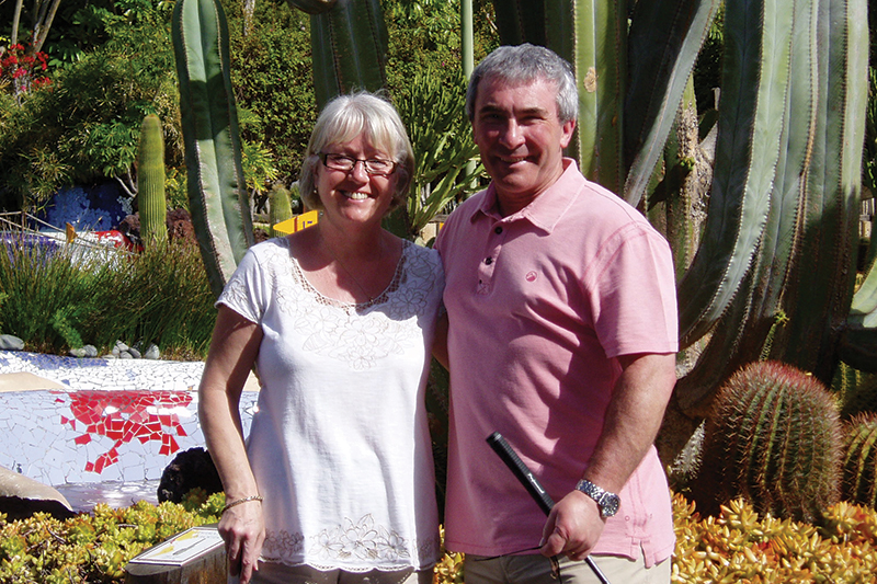 Len and Gill playing crazy golf in Playa de las Américas - the only course on which Gill can claim a win over Len! Len's passion is golf and Tenerife provides him with plenty of golfing challenges on the big courses.