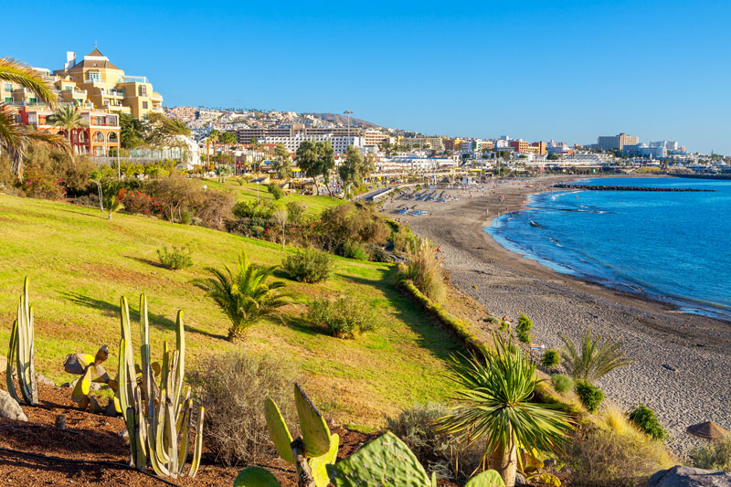 Families flock to the beautiful beaches of Playa de Torviscas and Fañabé on the sunny Costa Adeje