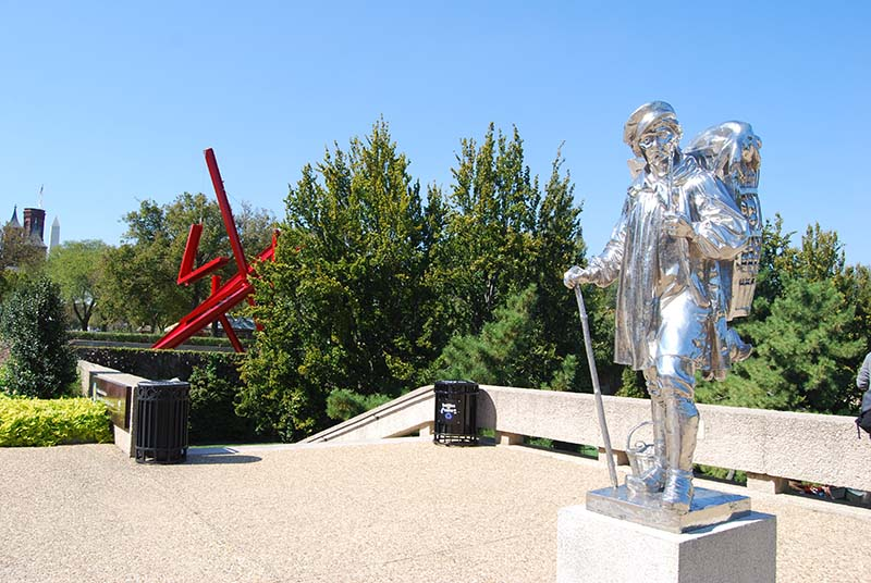 A wander through the sculpture gardens of the Hirshhorn Museum and the National Gallery of Art comes highly recommended.