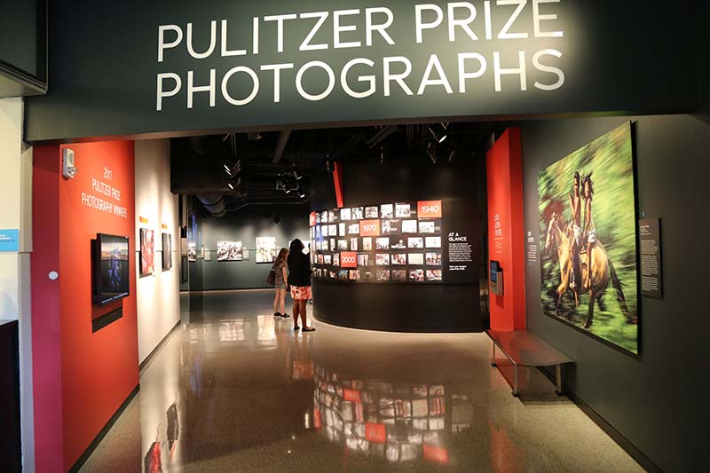 Dedicated to journalism in all its forms, the Newseum features galleries spread over six levels. The gallery of Pulitzer Prize Photographs is a particular highlight.