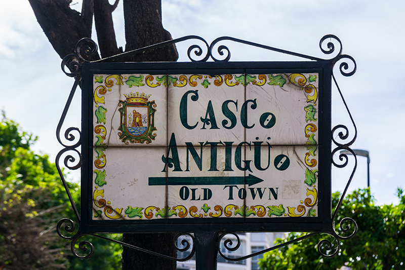 Follow the signs to Casco Antiguo for a relaxed walk through quaint cobbled streets, lined with restaurants from which you can select a venue to stop off for dinner later in the day.