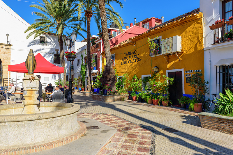 Wander around the Old Town of Marbella, where quaint streets open onto vast plazas, with many bars and restaurants.