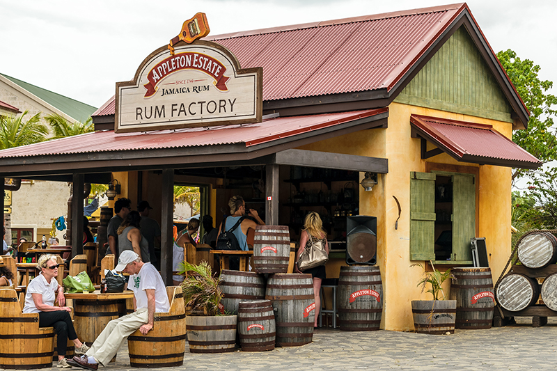 The Appleton Estate Rum Factory Bar is one of the best places to stop off to sample the island's famous tipple which, by virtue of having 265 years of production here, has earned it the accolade of serving a rum of clear distinction.