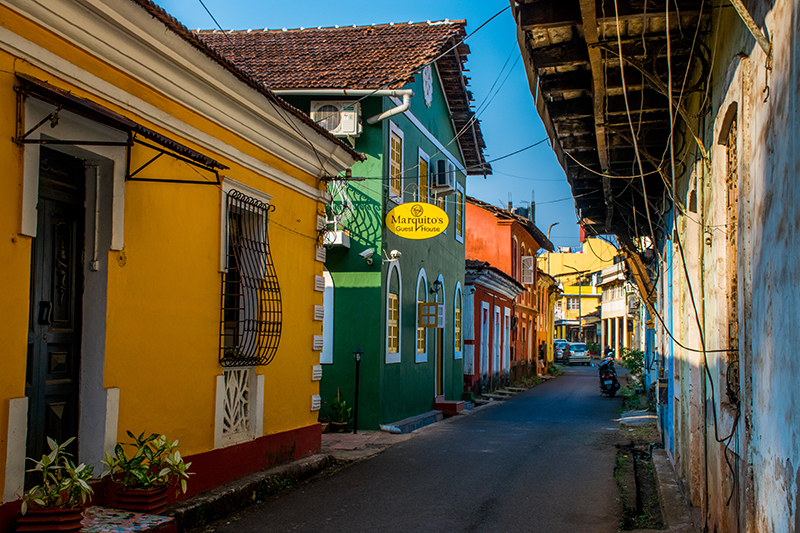 The brightly-painted colonial cottages that line the streets of Panaji are reminders of the equally colourful history of this city. be sure to visit Cabo Raj Niwas, a 16th-century fort that is now home to Goa's Governor.