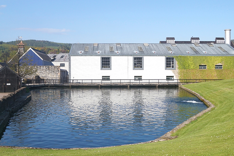 The Glenfiddich Distillery in Dufftown, Banffshire offers guided tours and a tutored nosing and tasting of single malts.