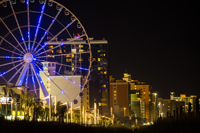The 57-meter high Skywheel gives panoramic views across the coast. There is an array of restaurants, shops and bars that you can enjoy after a ride.