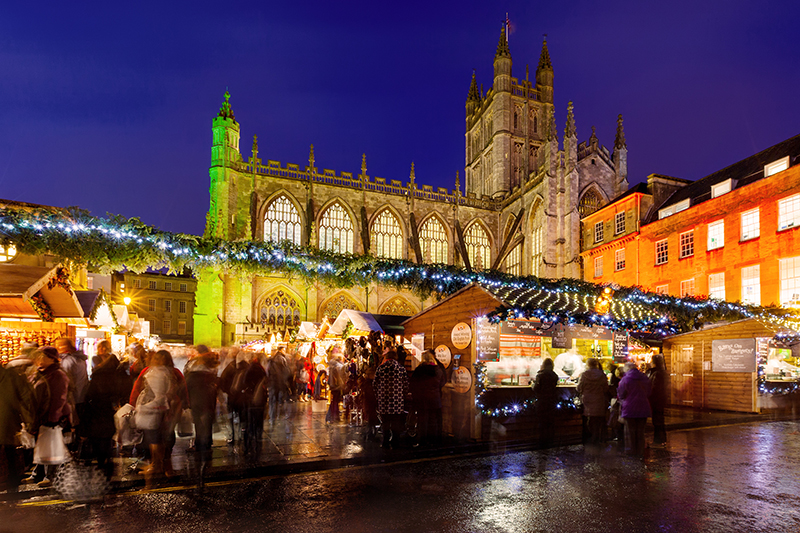 Laid out before the beautiful backdrop of Bath Abbey, the chalets of the market twinkle with festive lights and warmth. The abbey throws open its doors to the public for a charming 20-minute sing-along session known as 'Shoppers' Carols' at midday every Thursday and Friday during the market.