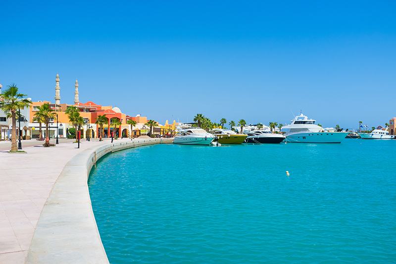 There's lots to see and do around Hurghada Marina. From festivals and events to shopping and restaurants, there's something for everyone in this stunning location.