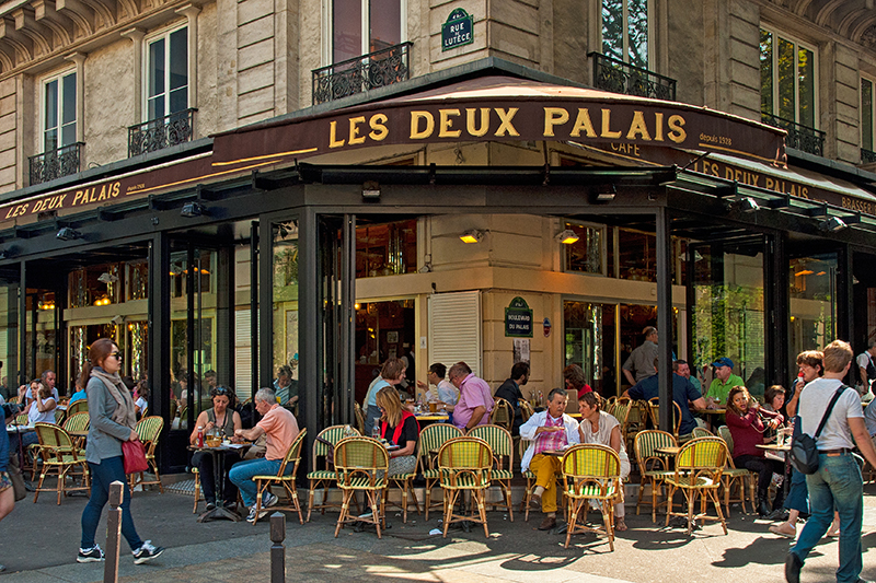 You won't be short of traditional eateries and brasseries, with The Brasserie Les Deux Palais a popular choice to round off your evening.