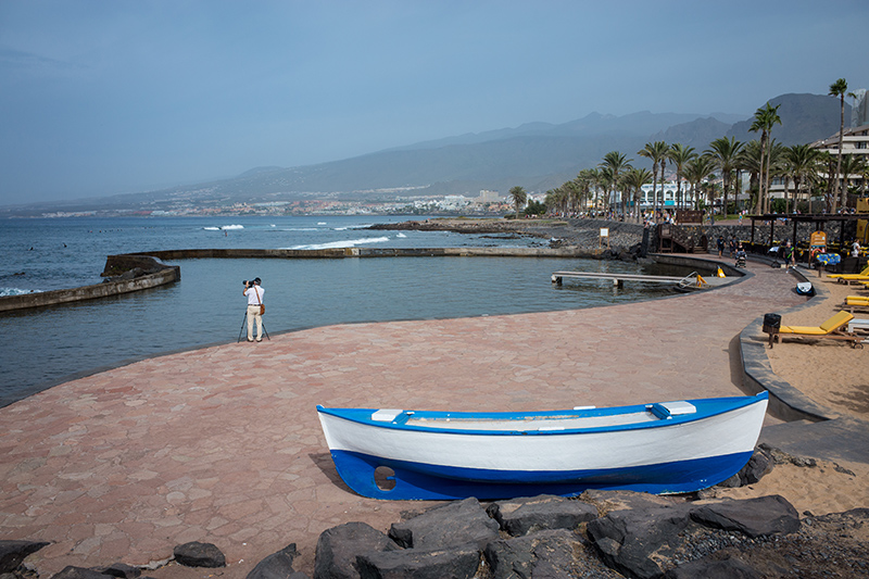 The Geranium Walk from La Caleta, though short on the colourful flowers themselves, is an easy walk which takes you past some of Tenerife's best beaches.