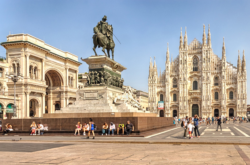 The Piazza del Duomo sits at the heart of this splendid city. Home to Il Duomo - or Duomo di Milano - Italy's largest church, all of the streets of Milan radiate out in a giant architectural web from the Piazza.