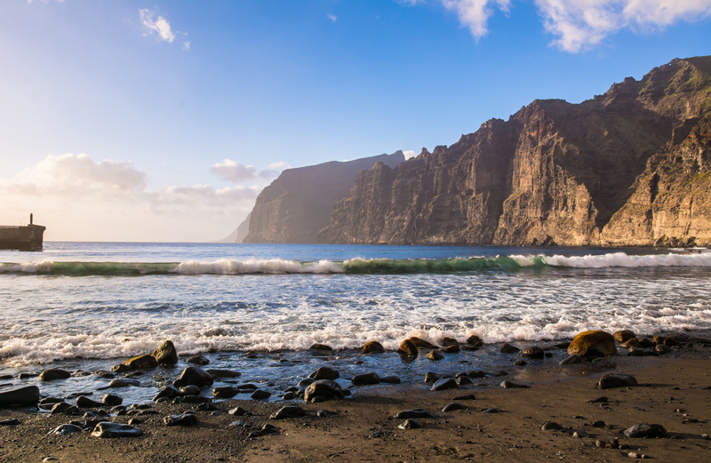 Los Gigantes is famed for its dramatic cliffs which reach out into the ocean. It is a spectacular area to sail. Masca Bay is difficult to get to if you are walking - it's a three-hour trek from Masca Village down to the beach - so take a boat or kayak there to experience it in all its glory.