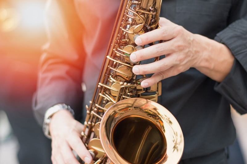 Music fans can't visit Portugal and not go to Johnny Hoopers' Saxophone Bistro. Visitors come from all over the country to hear Johnny play, so make sure you stop by and enjoy the smooth jazz sounds.