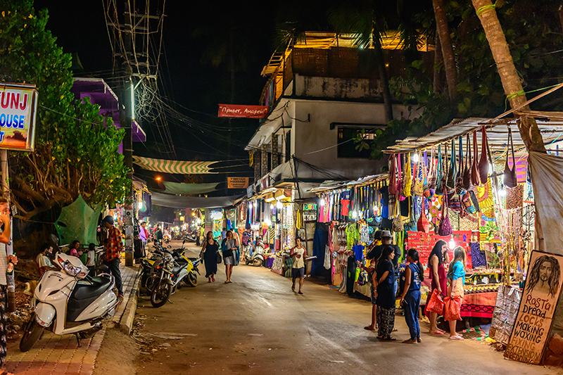 You should never underestimate the nightlife in India, and Goa comes alive at night. Follow the bright lights of its winding streets and you will find all kinds of evening entertainment, from café bars to casinos - some of them floating...