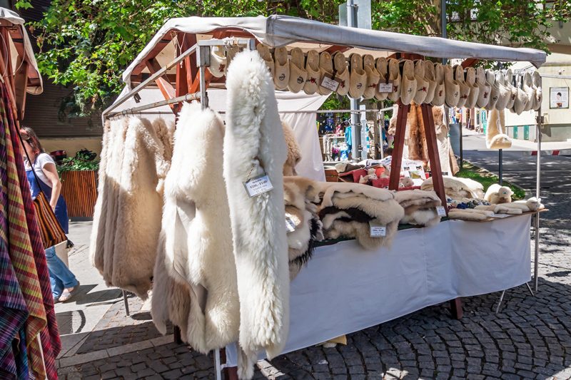 Flea markets and thrift shopping are ingrained in Hungarian culture, so if you're a serious bargain hunter, make the most of it and explore as many as possible.
