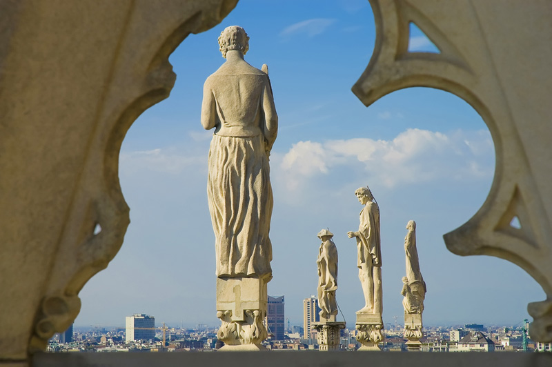 Intrigued by the lace-like delicacy of Italy's largest church, Ellen took a rooftop tour of Il Duomo to get up close and personal with just one or two of its 4,235 statues. Statues apart, the view alone makes this excursion worthwhile.