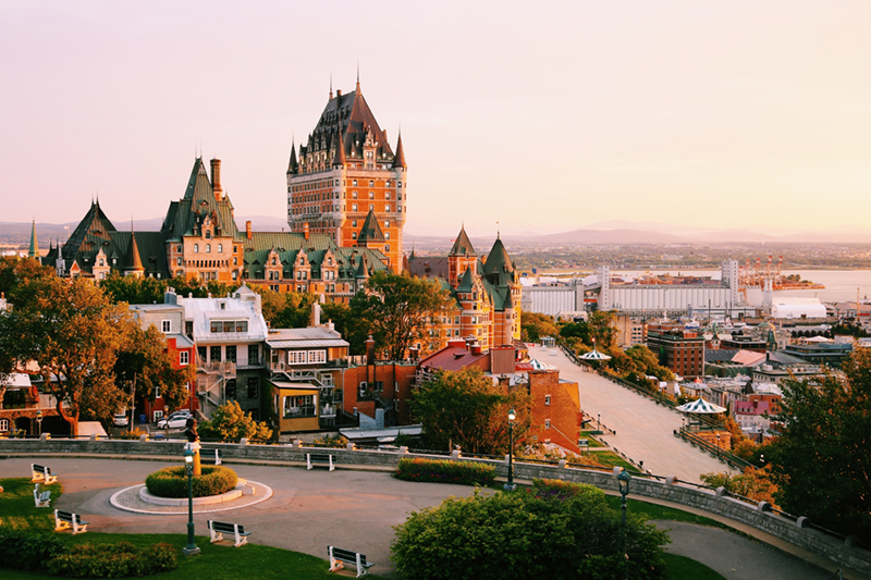 Historic Québec is a great place to holiday in the autumn, as the climate is not too cold, and not too hot! It is also a UNESCO World Heritage site which means that its architecture and culture is as rich as its autumn colours.