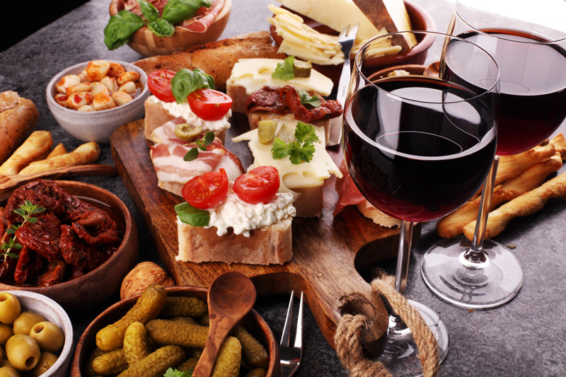 Hard to beleive that this delicious platter of nibbles - the aperitivo -  comes gratis with your Chianti in many of the bars in Milan.