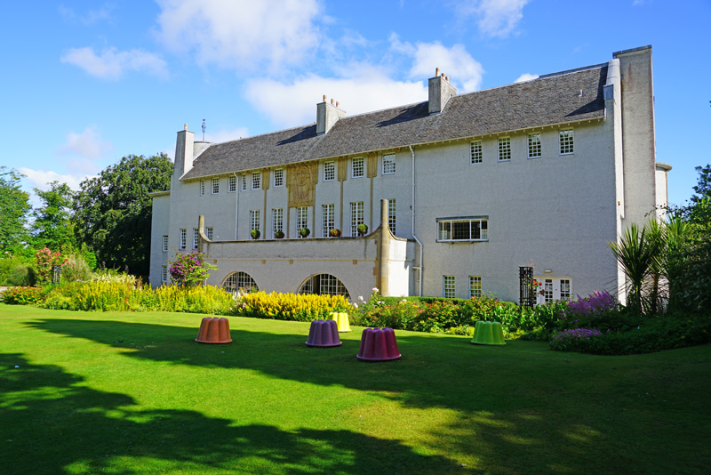 House for an art lover is based on the designs of Charles Rennie Macintosh and there is much to learn from its exhibits.