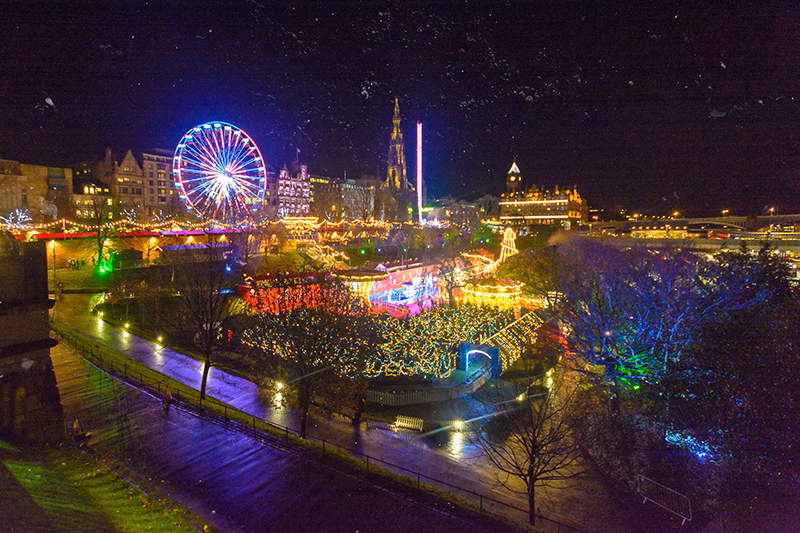 Edinburgh glitters at nightfall this time of year, and the Forth 1 Big Wheel is the perfect way to set your sights across the city. Enjoy it with family and friends, or snuggle up close with the one you love.