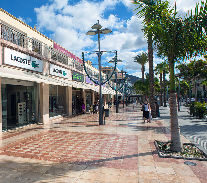 If you're looking for a seaside souvenir or a designer pair of sunglasses, you'll find it on Tenerife, though don't forget to haggle!