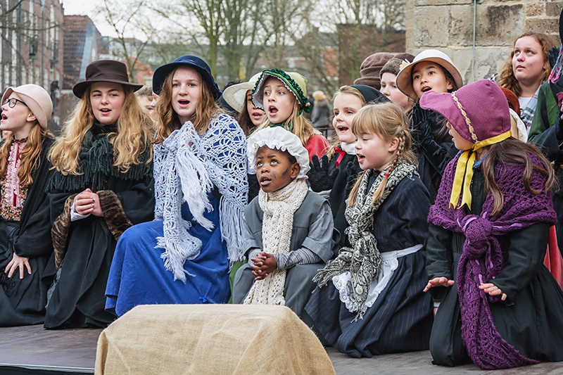 Delve into Dickensian delights of yesteryear and enjoy traditional costumes, festive nibbles and song at Deventer's Dickens Festival.